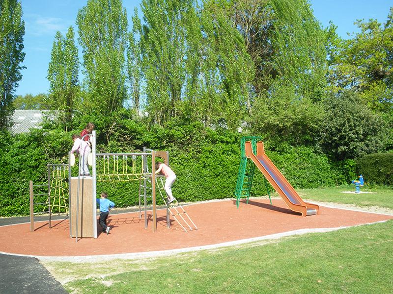 aire-de-jeux-enfants-2